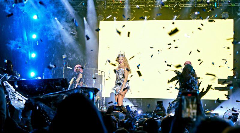Цього вікенду відбувся черговий концерт українських артистів у рамках Люкс FM Party Tour. В суботу зі сцени співали Jerry Heil,TVORCHI, Денис Реконвальд та спеціальний гість - гурт «Без Обмежень.